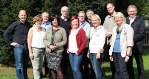Gruppenfoto: das pastorale Team und die Berater