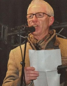Pfarrer Stolz als Redner bei der Paderbunt-Kundgebung